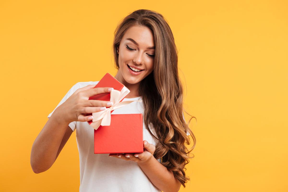 Regali non materiali: cosa regalare a chi ha già tutto?